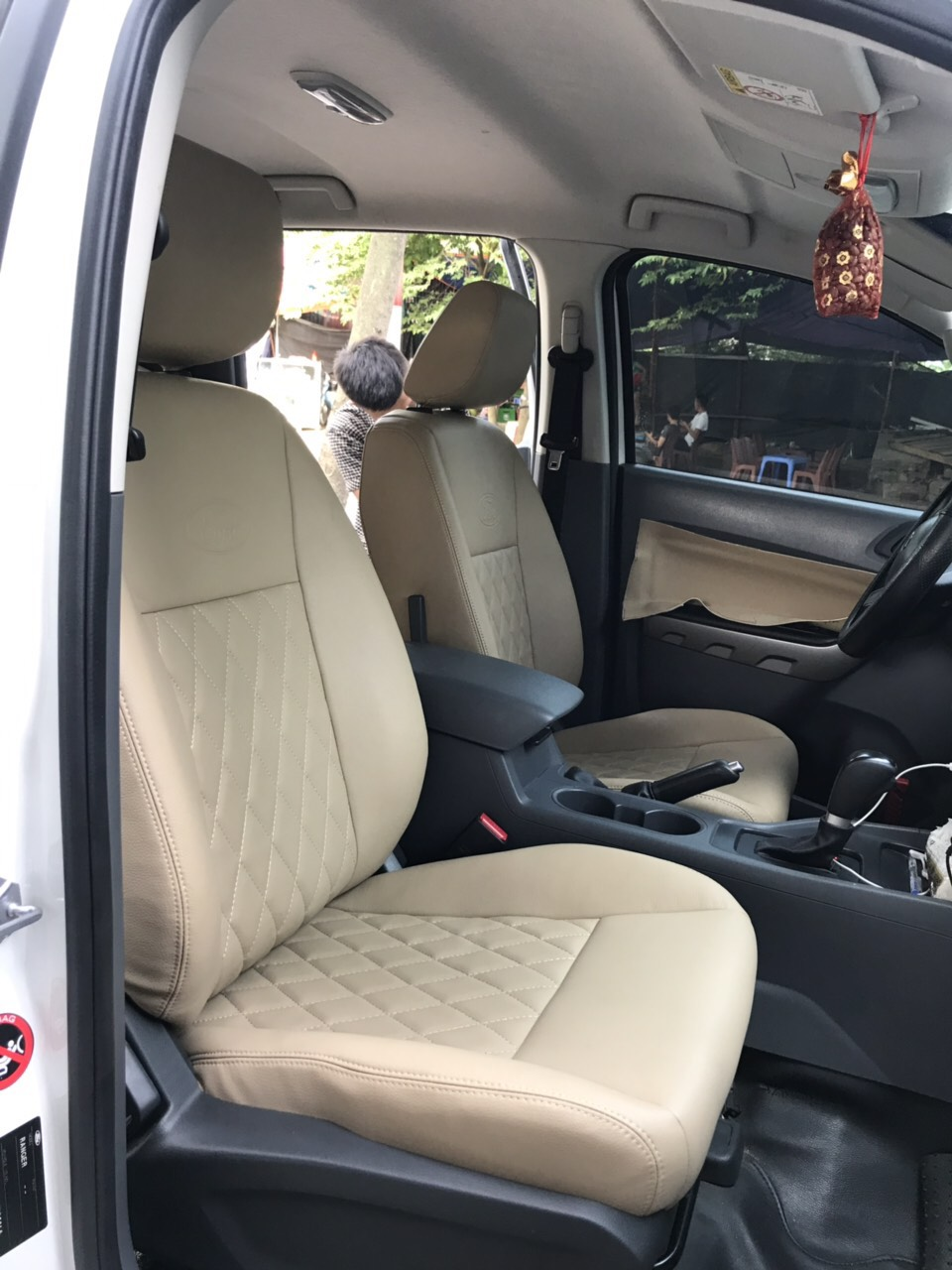 Bọc ghế da công nghiệp Singapore cho xe FORD RANGER