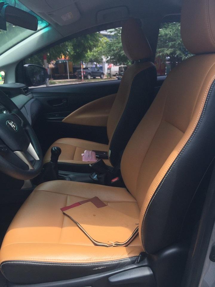 Bọc ghế da công nghiệp Singapore cho xe TOYOTA