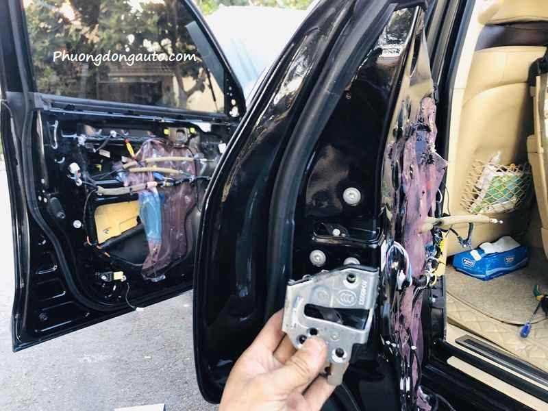 Cửa hít theo xe Ford Everest 2021
